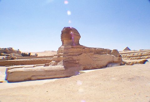 sphinx_in_desert